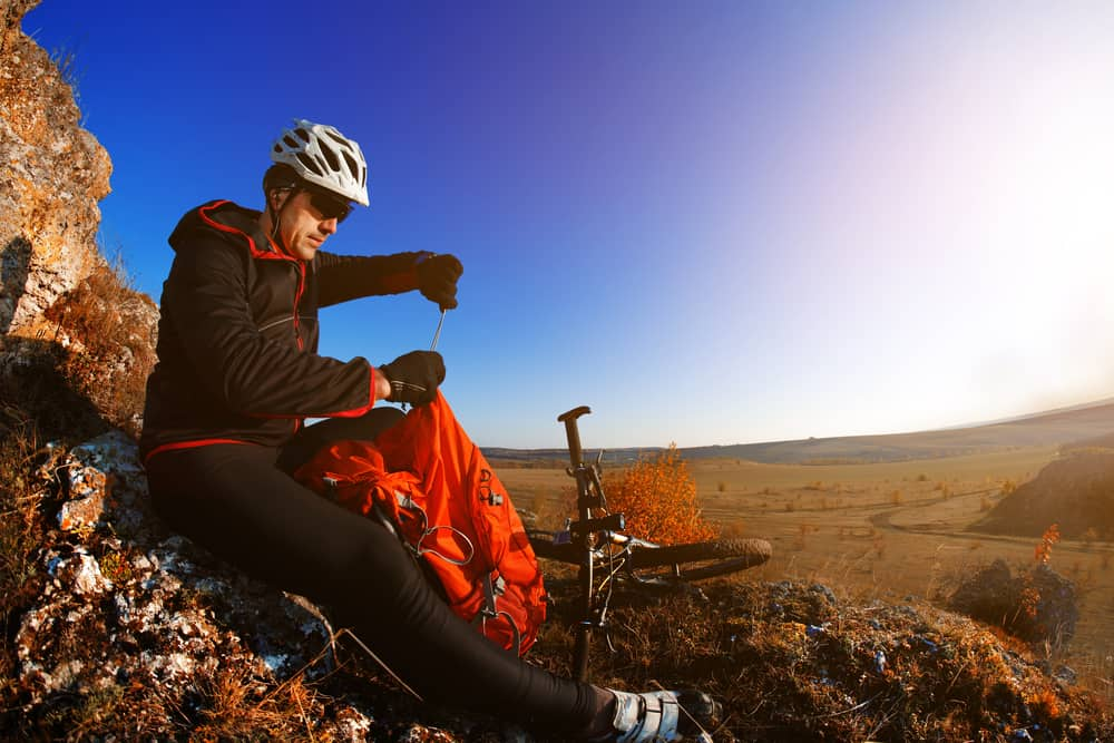 Essential Mountain Bike Clothing and Gear Checklist